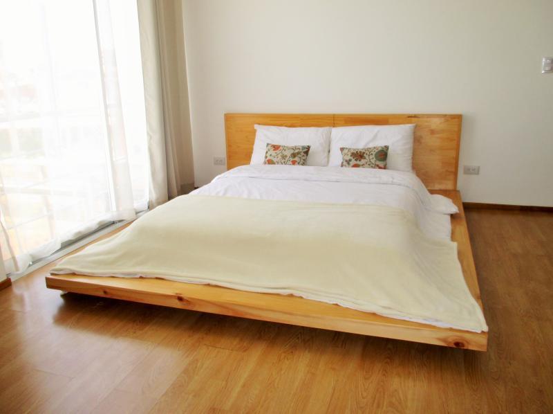 6 CedarCats Short Stay Apartments, holiday rental in Cartago