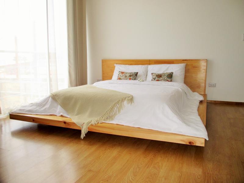 5 CedarCats Short Stay Apartments, holiday rental in Cartago