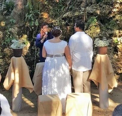 wedding at the natural cave
