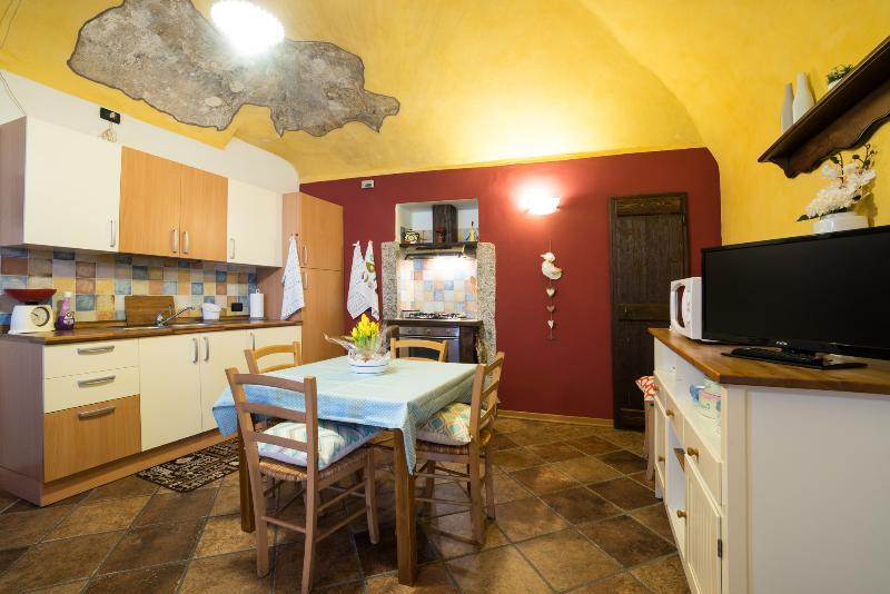CORTE alla ROCCA apartment in ARONA LAGO MAGGIORE, holiday rental in Gattico