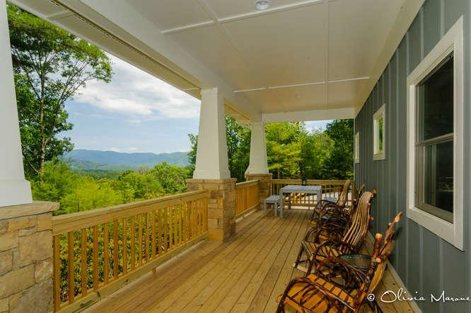 Rocking Chair Front Porch with Gorgeous Mountain Views!