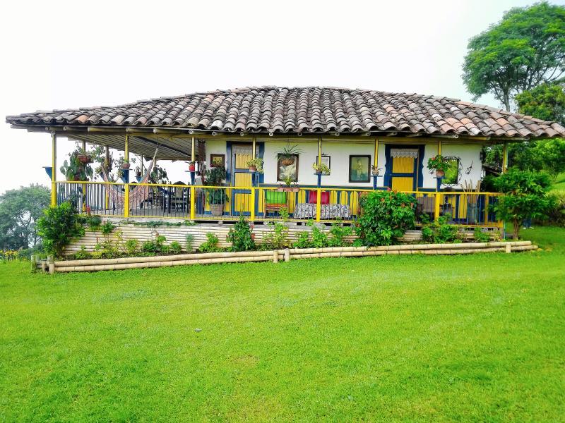 Mirador Turístico Colina del Sol – semesterbostad i Caldas Department