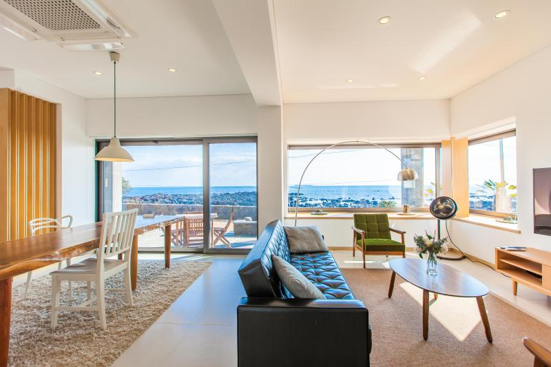 Panoramic ocean view can be seen anywhere in the pension.