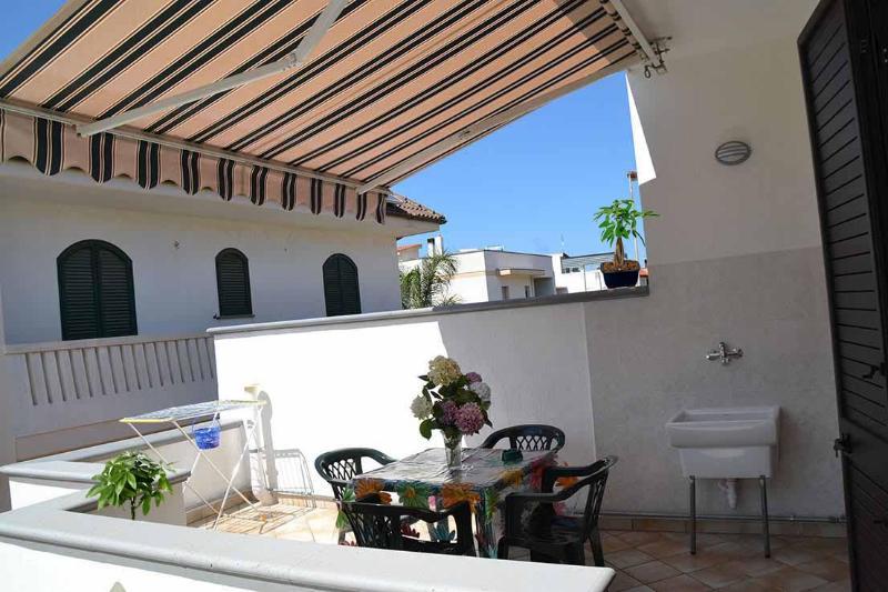 Grazioso Appartamento a 3 km dal mare, vacation rental in Montesardo