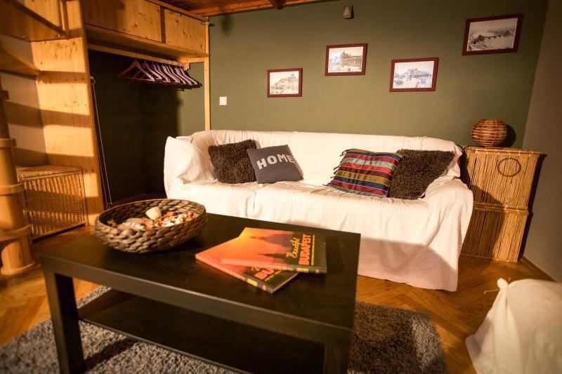 Cosy Comfortable Central Apartment, alquiler vacacional en The Republic of Zubrowka