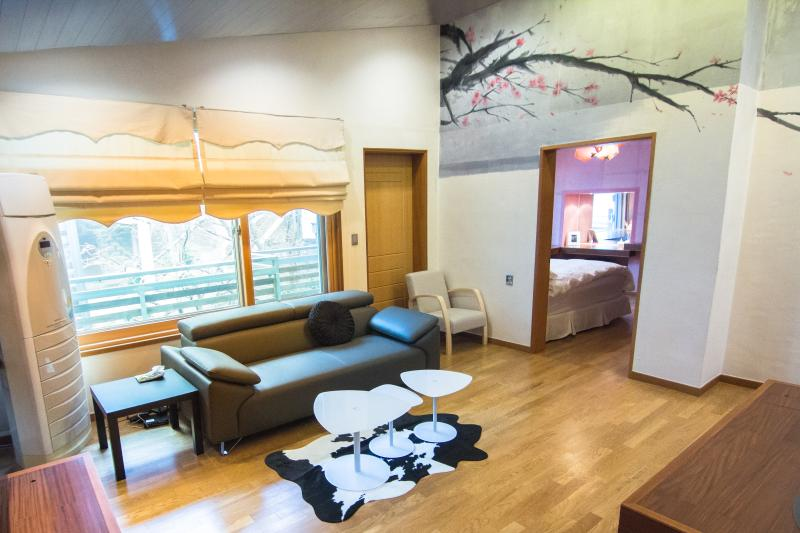 Hanso Presidential Suite House/Garden/4BR, holiday rental in South Korea
