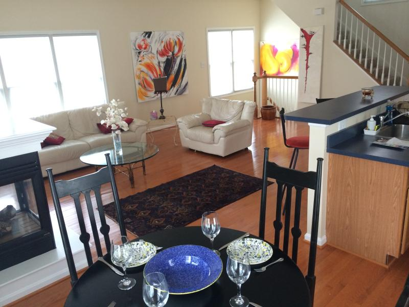 2 bedroom 2.5 bath furnished house in Kentlands shopping center, Gaithersburg MD, location de vacances à Potomac
