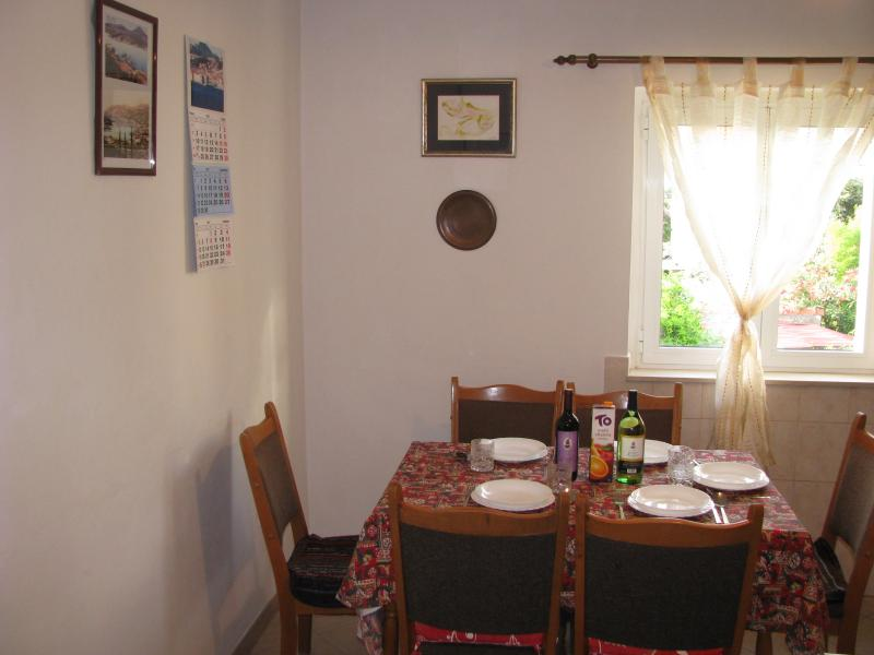 Dining table in kitchen for 6 persons