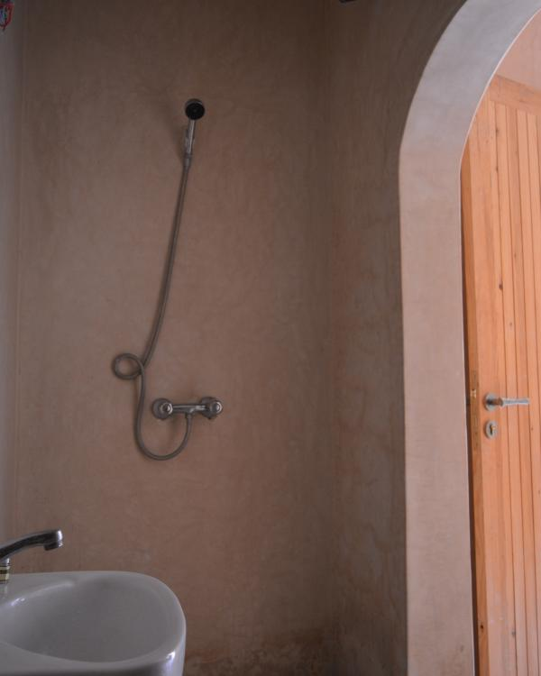 All bedrooms come with en-suite bathrooms all featuring traditional tadelakt walls and floors.