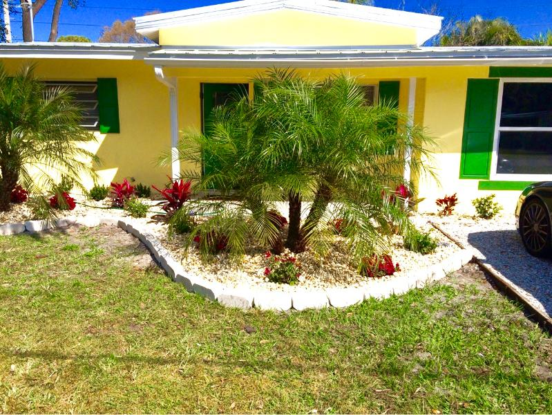 ~ Cozy Apartment Close to Siesta Key ~, holiday rental in Sarasota