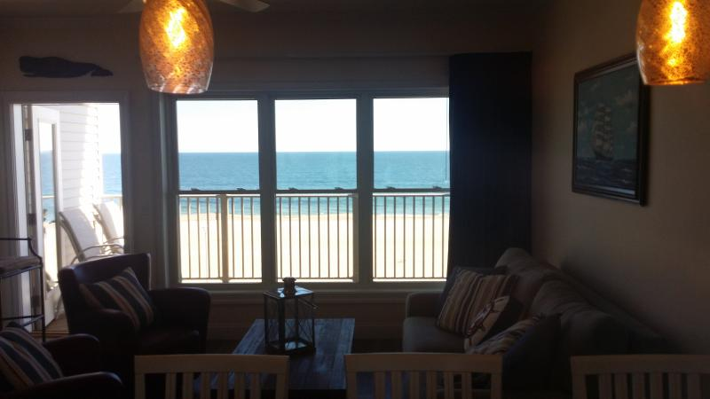 Your own private balcony overlooking the ocean!