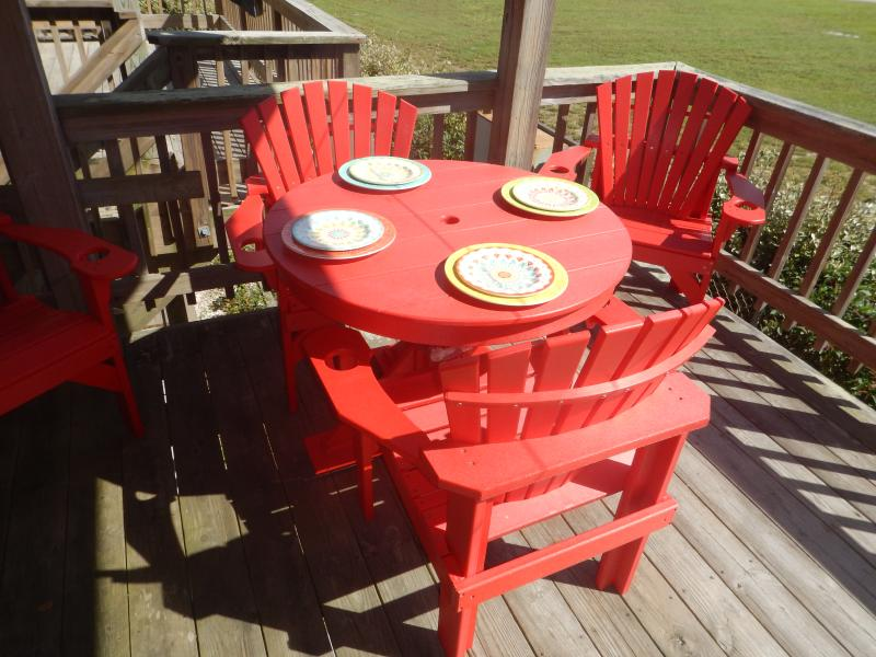 Come on up and enjoy alfresco dining or relaxing.