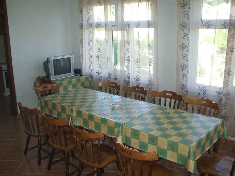 APP 6, holiday rental in Lopar