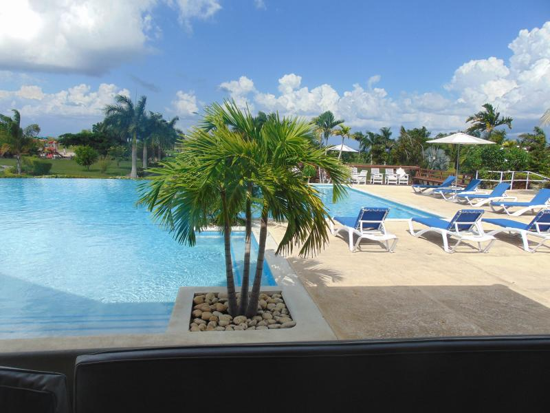 Solace Villa invites you to enjoy life at your pace on Jamaica's scenic north coast.
