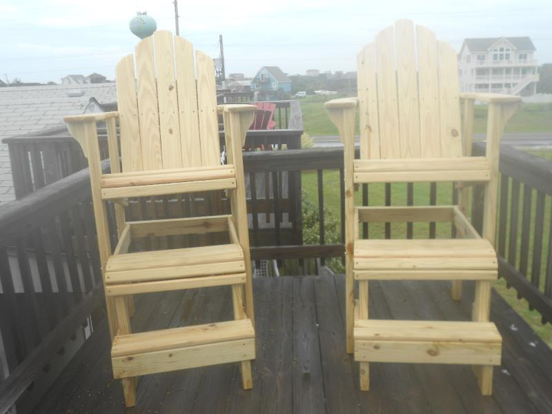 Our rooftop deck chairs, the King and Queen are perfect for star gazing and relaxing.