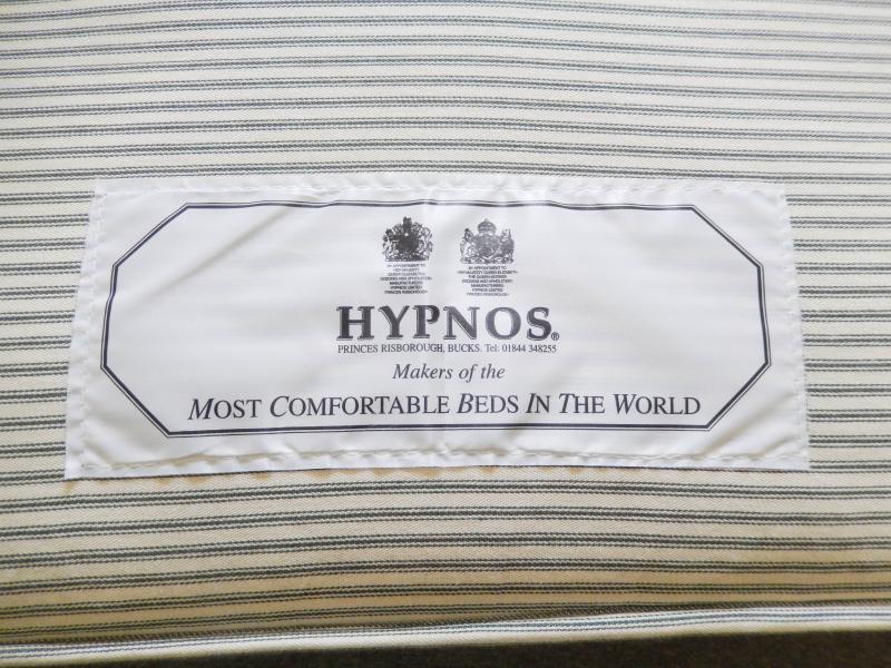 Hypnos, sleep in the the most comfortable bed in the world  Schlafen Sie in einem echten Hypnos Bett
