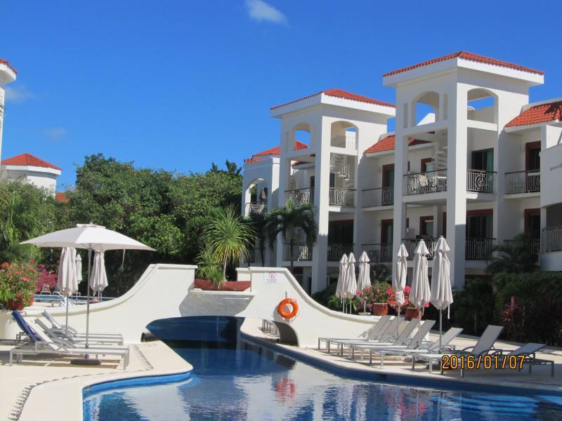 Τα condo Κτίρια ονομάζεται Κοράλλια, Surf, Reef και Cenote.