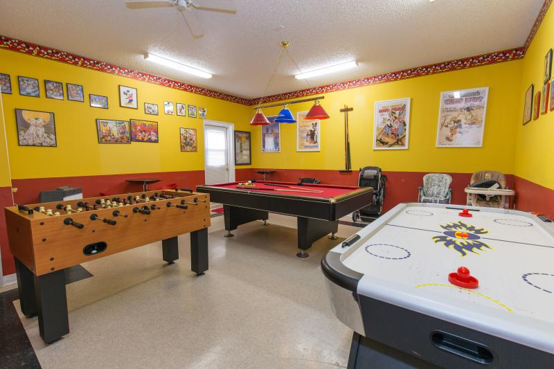 Emerald Magic villa - Offers the best game-room with Air-hockey, foosball table and pool table.