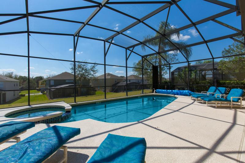 Pool can be optionally heated during colder months