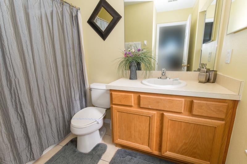 En-suite to master bedroom #4