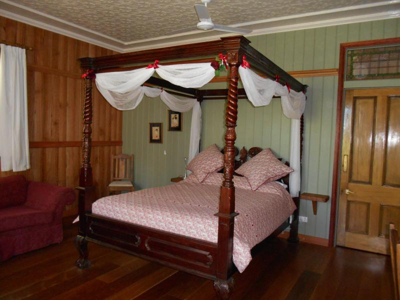 Mount Glorious Romantic Private Rainforest Suite, alquiler vacacional en Mount Glorious