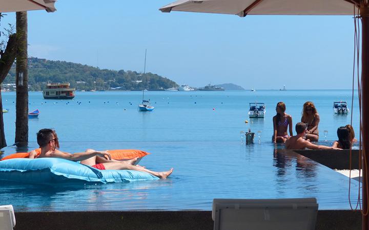 Baan Amandeha Luxury Beachfront Villa, casa vacanza a Cape Panwa