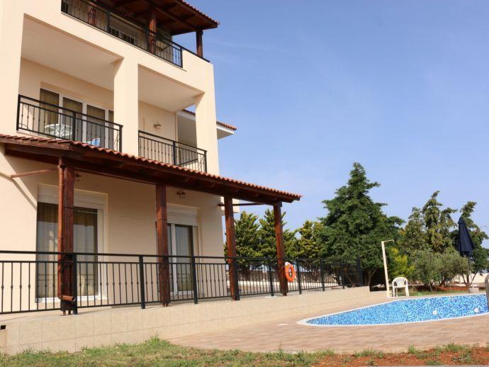 Villa Yolantha - pool area