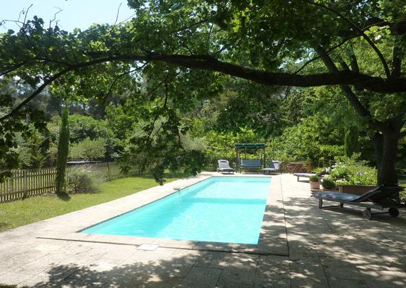 Belle maison piscine, calme, proche d'Aix, holiday rental in Bouches-du-Rhone