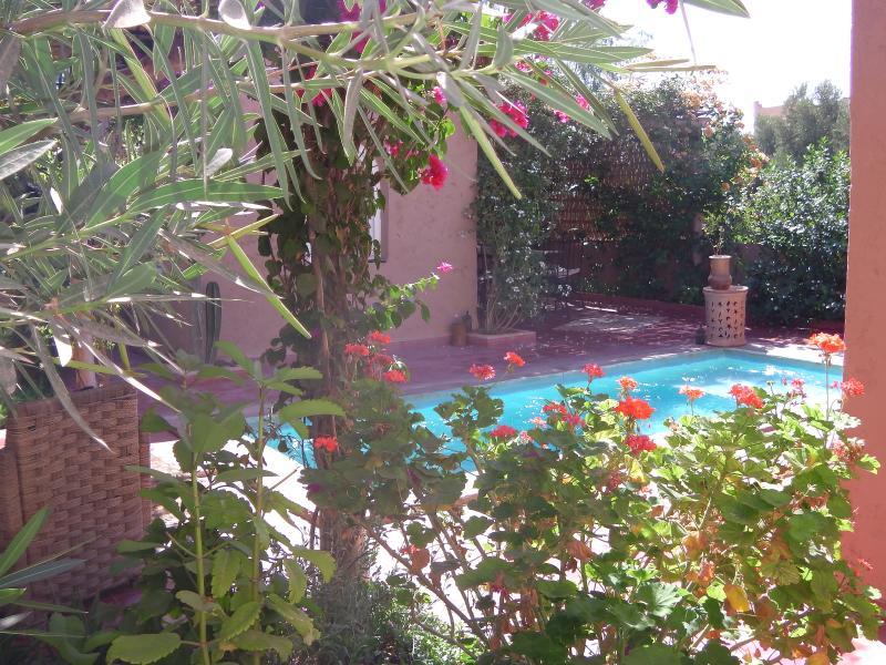 Riad privé à l'abri du regard, vacation rental in Ait Iaaza