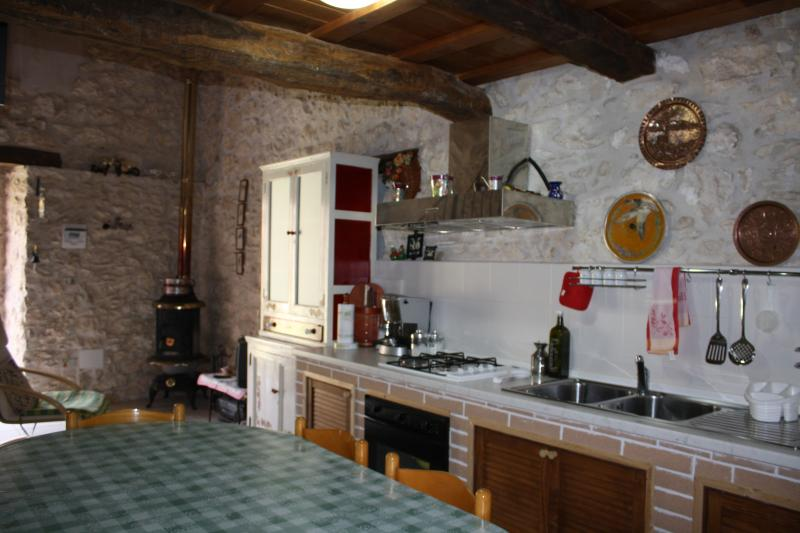 CASAVACANZE MACCHIAMETOLA APPARTAMENTO GAIA, vakantiewoning in Caramanico Terme