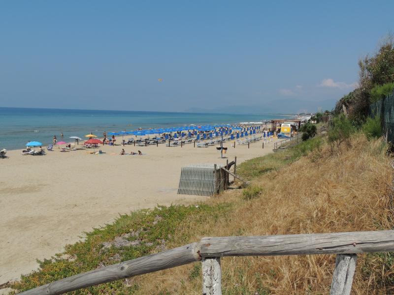 Villino Lory con giardino sul mare di Sperlonga, vacation rental in Sperlonga
