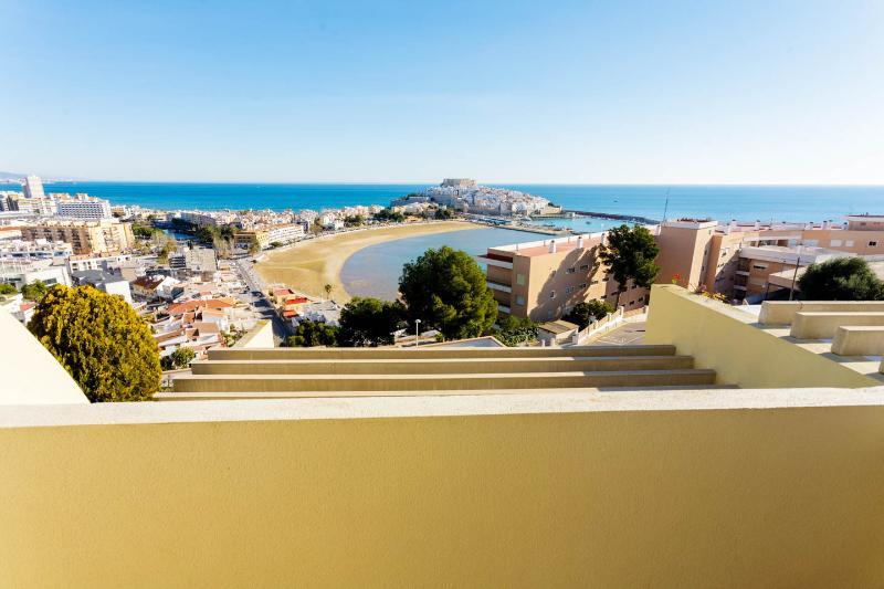 Apartamento Casa Adosada en Peñiscola, vacation rental in Peniscola