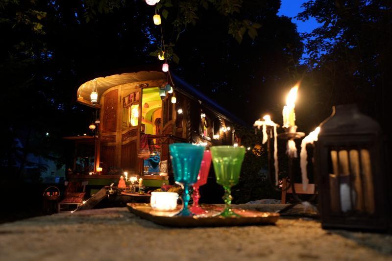 La Roulotte de Sandor, location de vacances à Geruge
