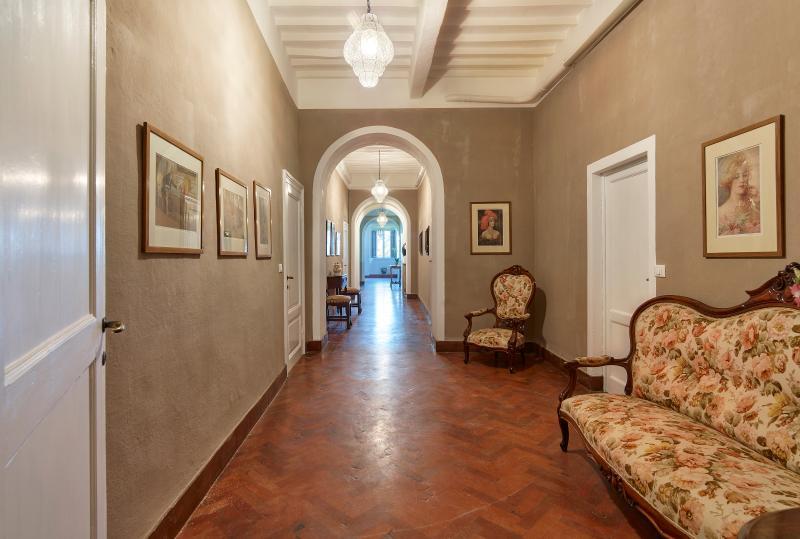 La Pescaia Resort- Villa Tolomei, vacation rental in Sticciano Scalo