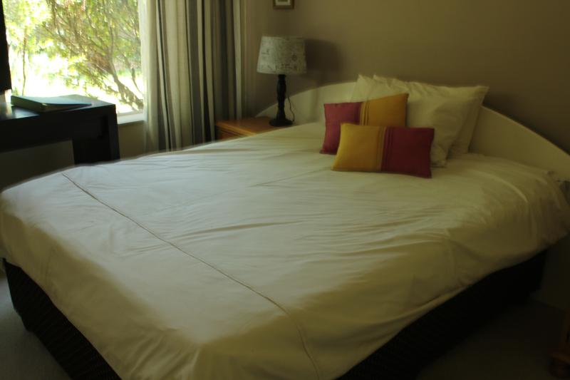 Tropical Umcabi Lodge, holiday rental in Krugersdorp
