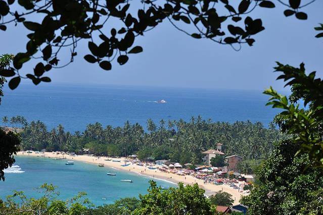 Rock Mountain, overlooking famous  Unawatuna beach, location de vacances à Galle District