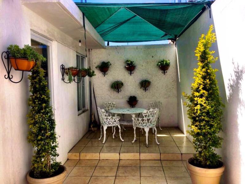 outdoor space for breakfast