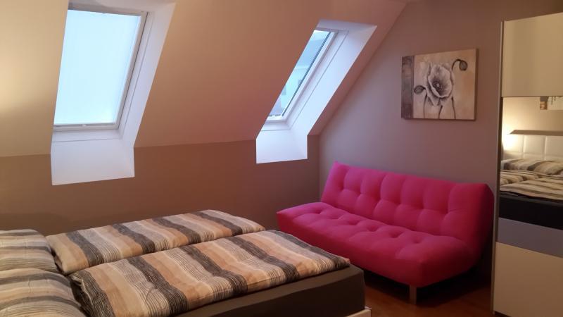apartments-in-vienna.eu Deluxe DG Terrasse, holiday rental in Leopoldsdorf im Marchfelde