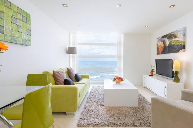 30 Rocklands - One bedroom apartment with stunning views over Newquay Bay.
