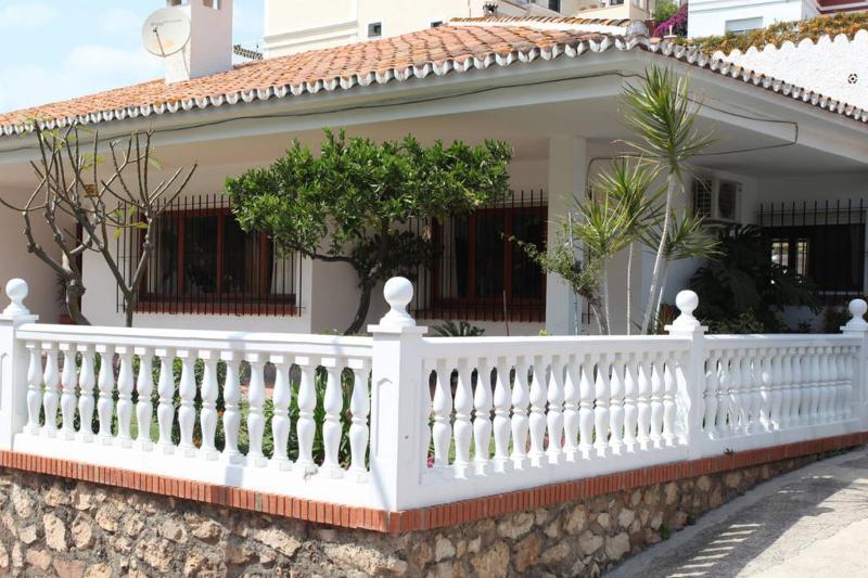 Casa individual para 8 personas garaje, jardin, WI, vakantiewoning in Rincon de la Victoria