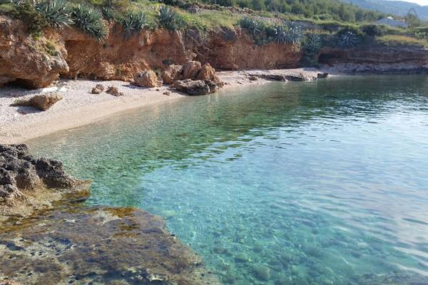 Peaceful vacation in Gromin Dolac, vacation rental in Hvar Island