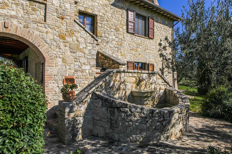 I CASALI DEL MORAIOLO - ROSETO, vacation rental in Grutti