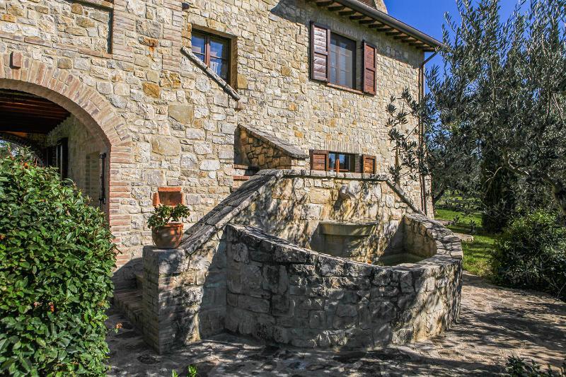 I CASALI DEL MORAIOLO - ROSETO, vacation rental in Piedicolle