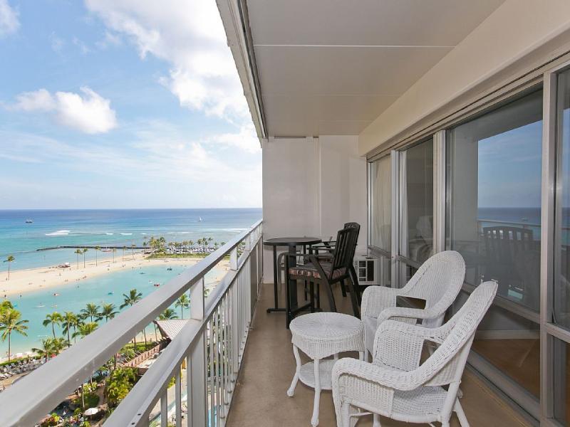OCEAN LAGOON SUITE (2) BEDROOMS, vacation rental in Honolulu