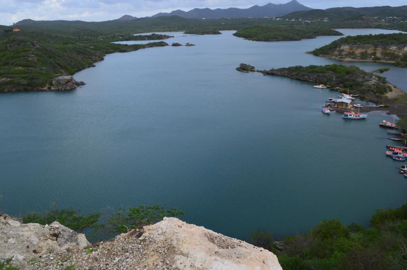 Vista de la bahía de Santa Marta a tres manzanas