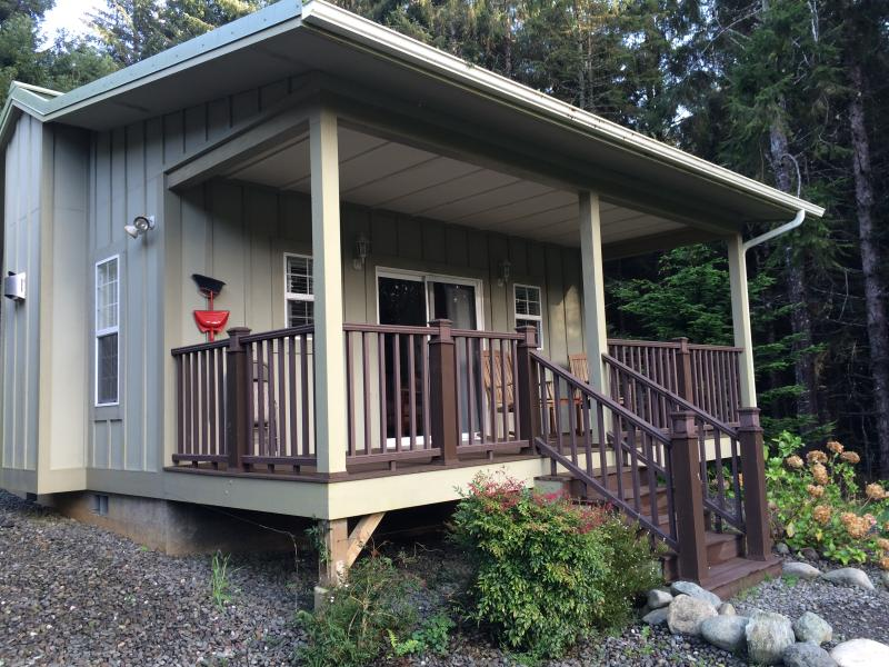 The Golden Eagle Cottages: 5, holiday rental in Trinidad