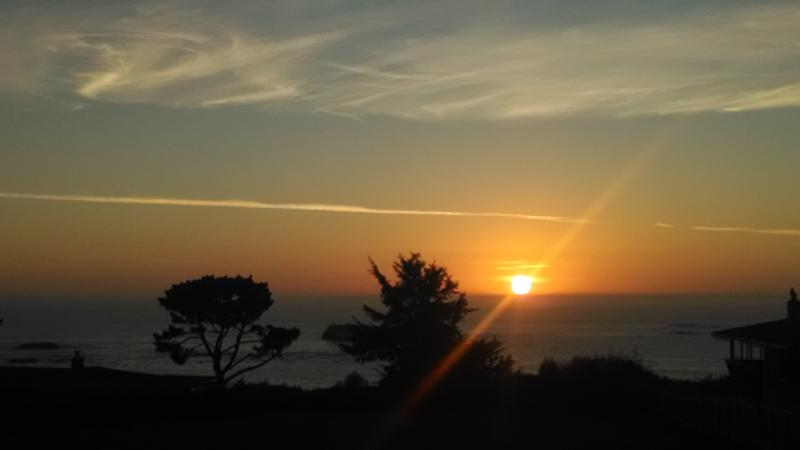 Sunset House-Fantastic view quiet location in town, holiday rental in Orick