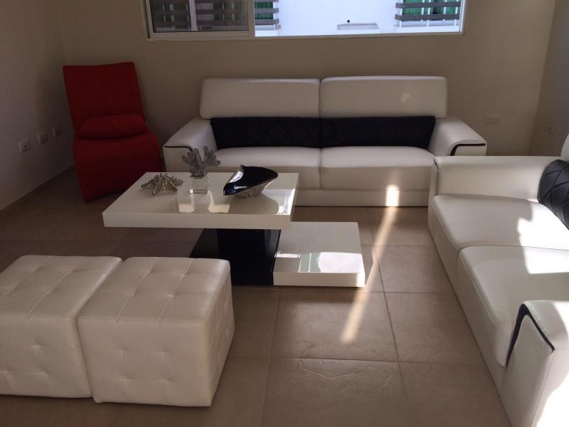 Luxurious getaway apt Juan Dolio,beach apt, holiday rental in San Pedro de Macoris