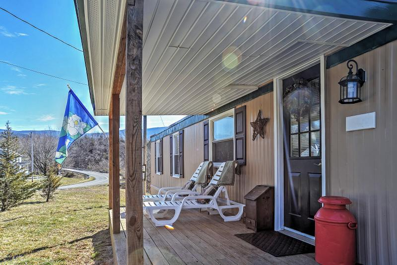 Have an unforgettable experience at this Rileyville vacation rental cabin!