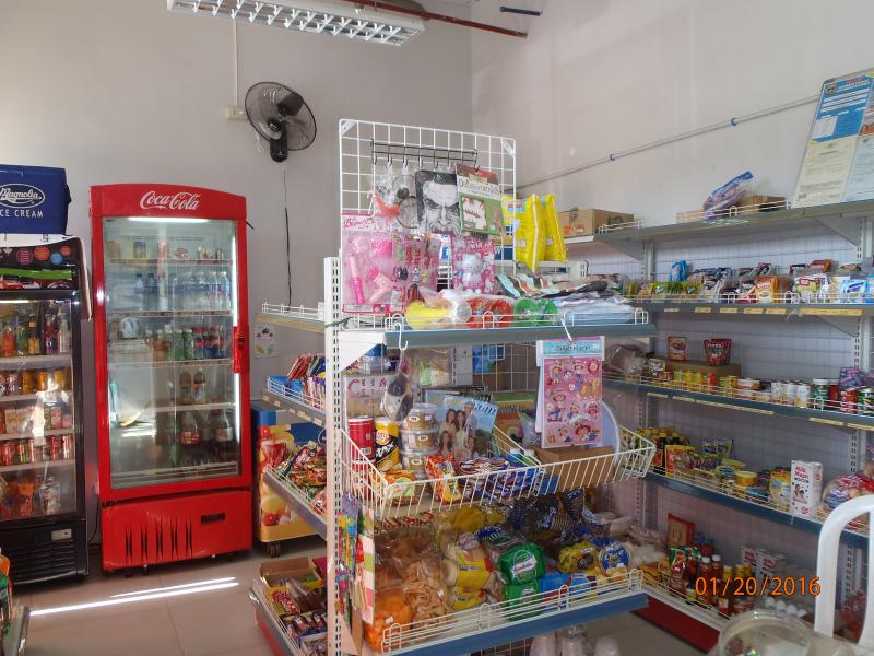 convenience store open everyday, 7 days a week to serve your needs, from 9:00am to 6:00pm